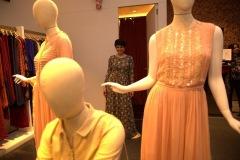 Mandira-Bedi-shopping-at-Ritu-Kumar-Nitesh-HUB