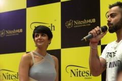 Mandira-Bedi-Celebrity-Host-with-Virat-Kohli-India-Cricket-Captain-at-Nitesh-HUB